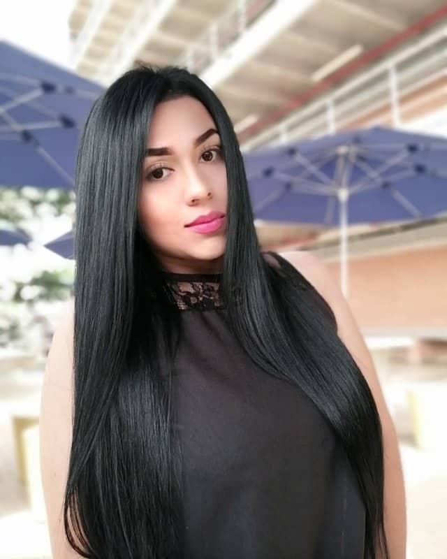 Cabello-negro-2022;-tendencias-de-la-moda-para-pelo-oscuro