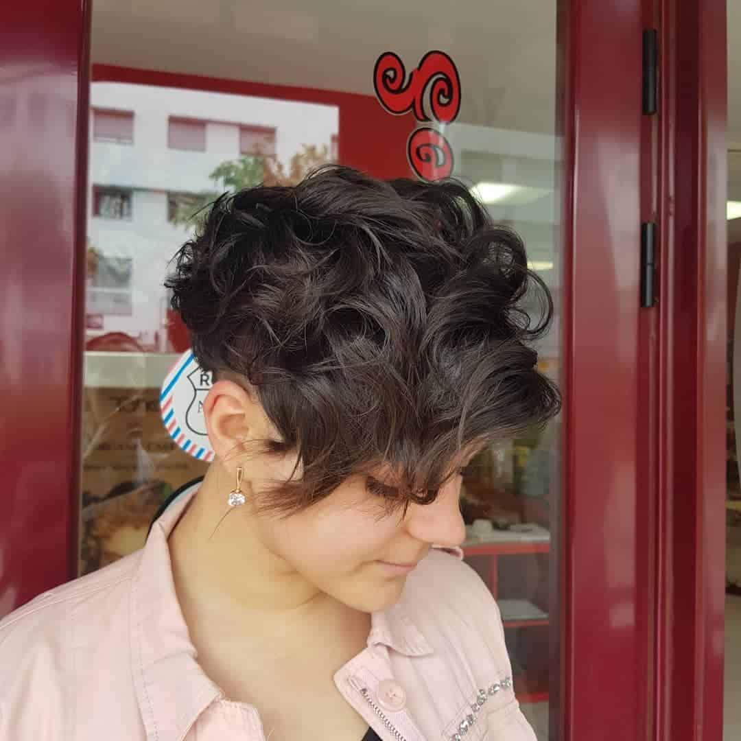 Tendencias-de-corte-de-pelo-2020-para-mujeres-elegantes