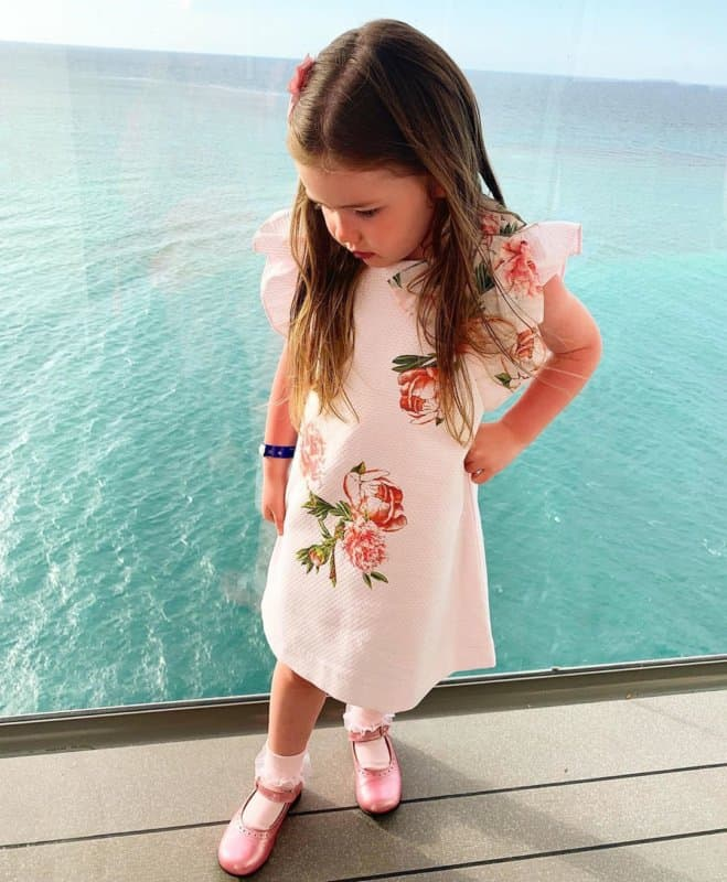 Moda-de-chicas-2022;-tendencias-de-moda-y-vestidos-para-niñas