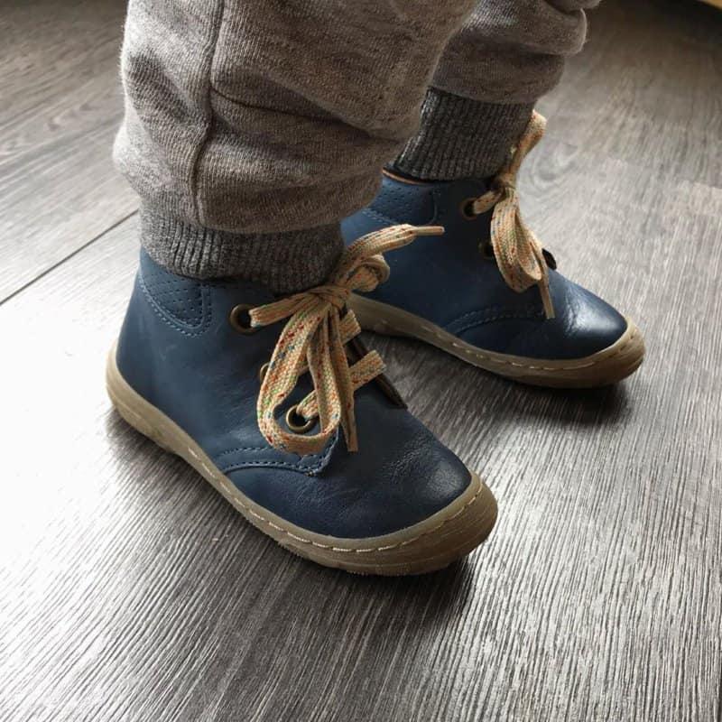Zapatos-para-niños-2020;-tendencias-y-consejos-para-zapatos