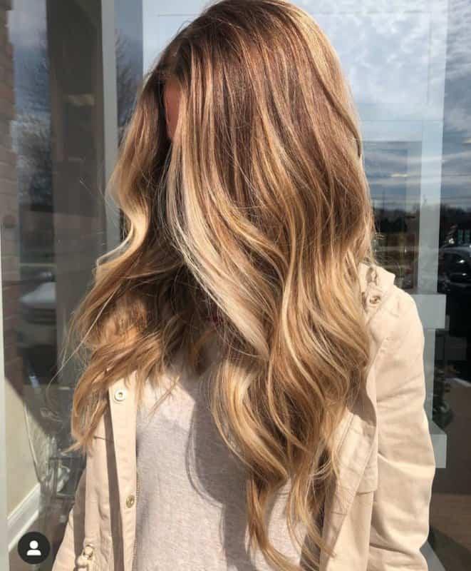 Aceite-de-bardana:-Tendencias-de-pelo-largo-2020-para-mujeres-modernas