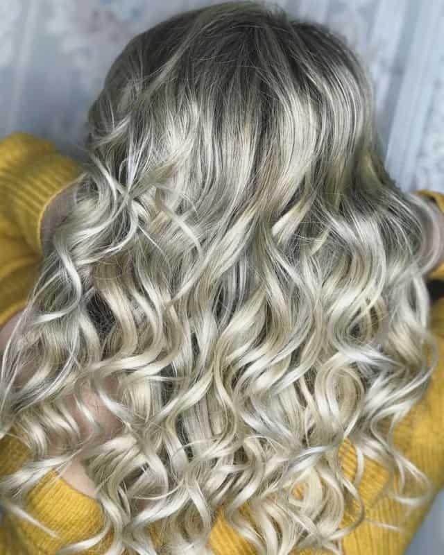 Rubio-cenizo-claro-en-cabello-Nuevos-colores-claros-para-sueños-rubios