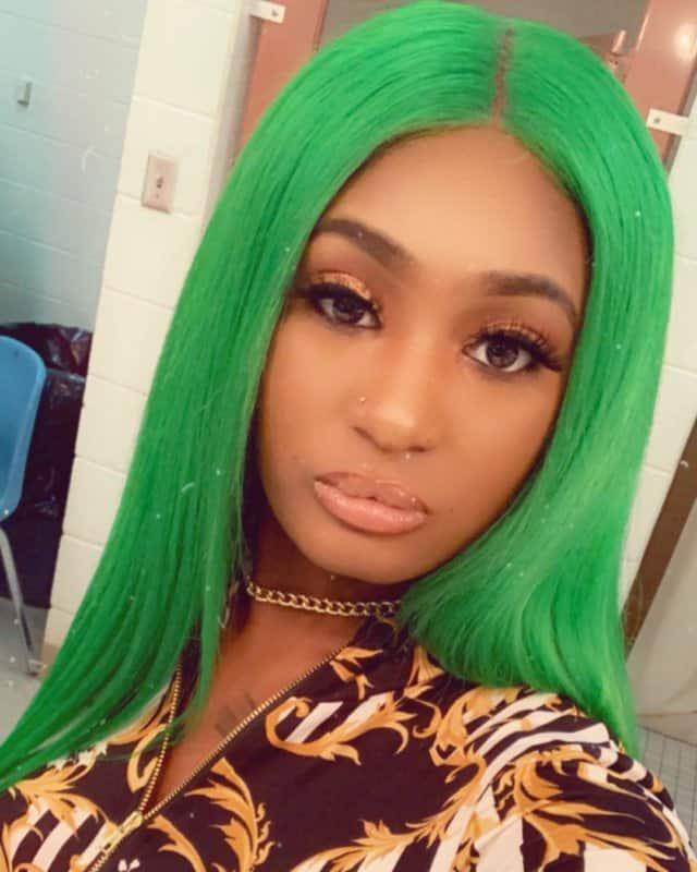 Color-de-pelo-verde-de-mujer-Fiesta-de-naturaleza-para-chicas-modernas