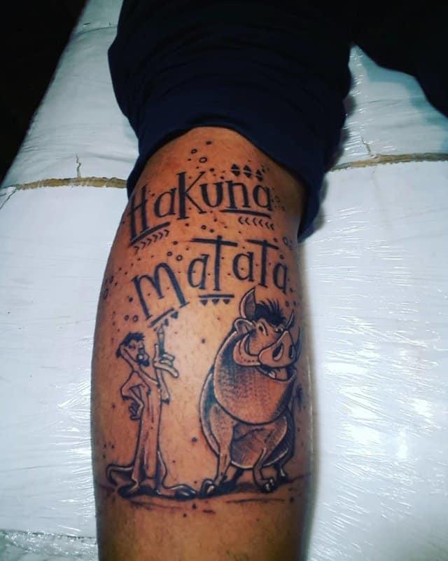 Hakuna-matata-tatuaje-Significado-de-este-símbolo-nuevo-en-los-tatuajes-modernas