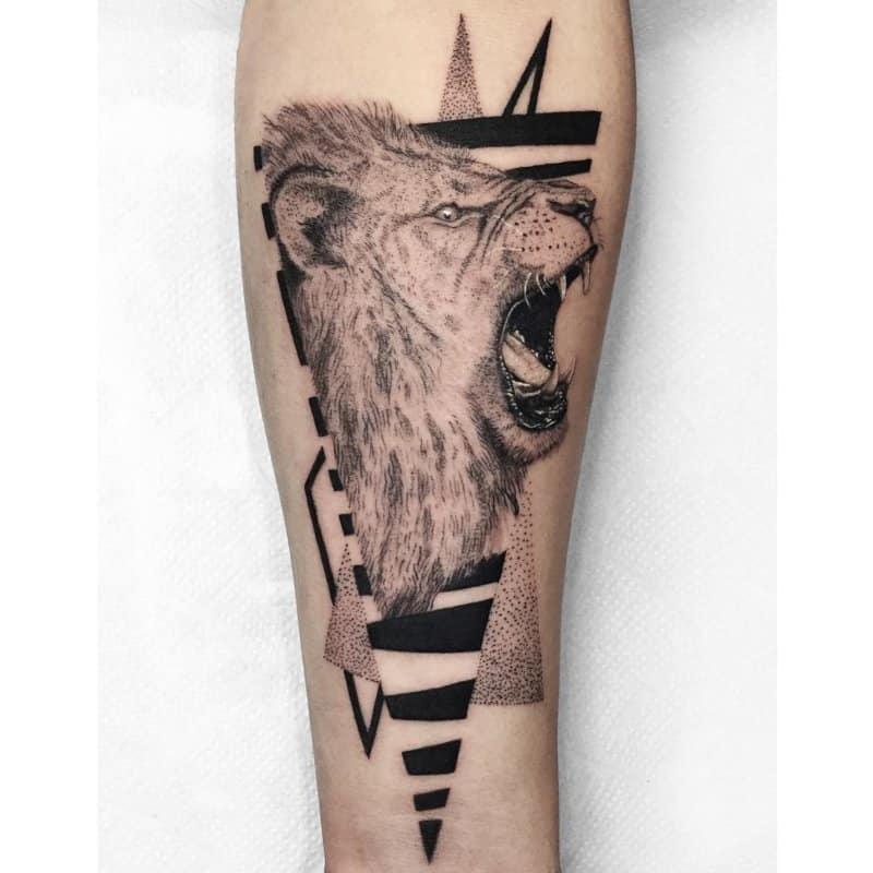 Tatuajes-blackwork-Principales-corrietes-de-tatajes-blackwork-modernos
