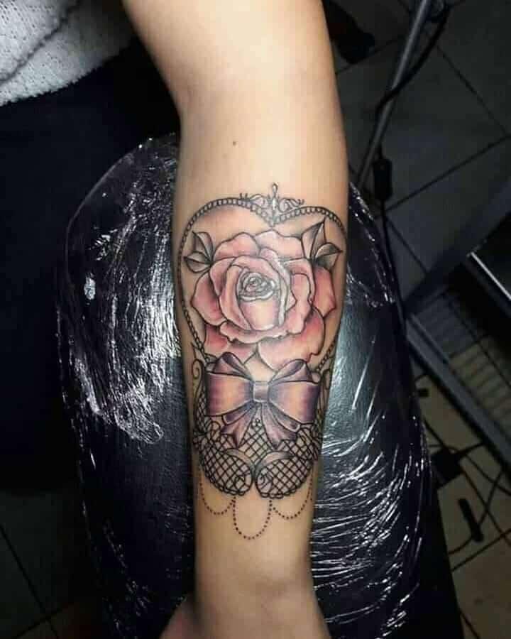 Tatuajes-de-arcos-Interesantes-tatuajes-de-arco-principalmente-para-chicas