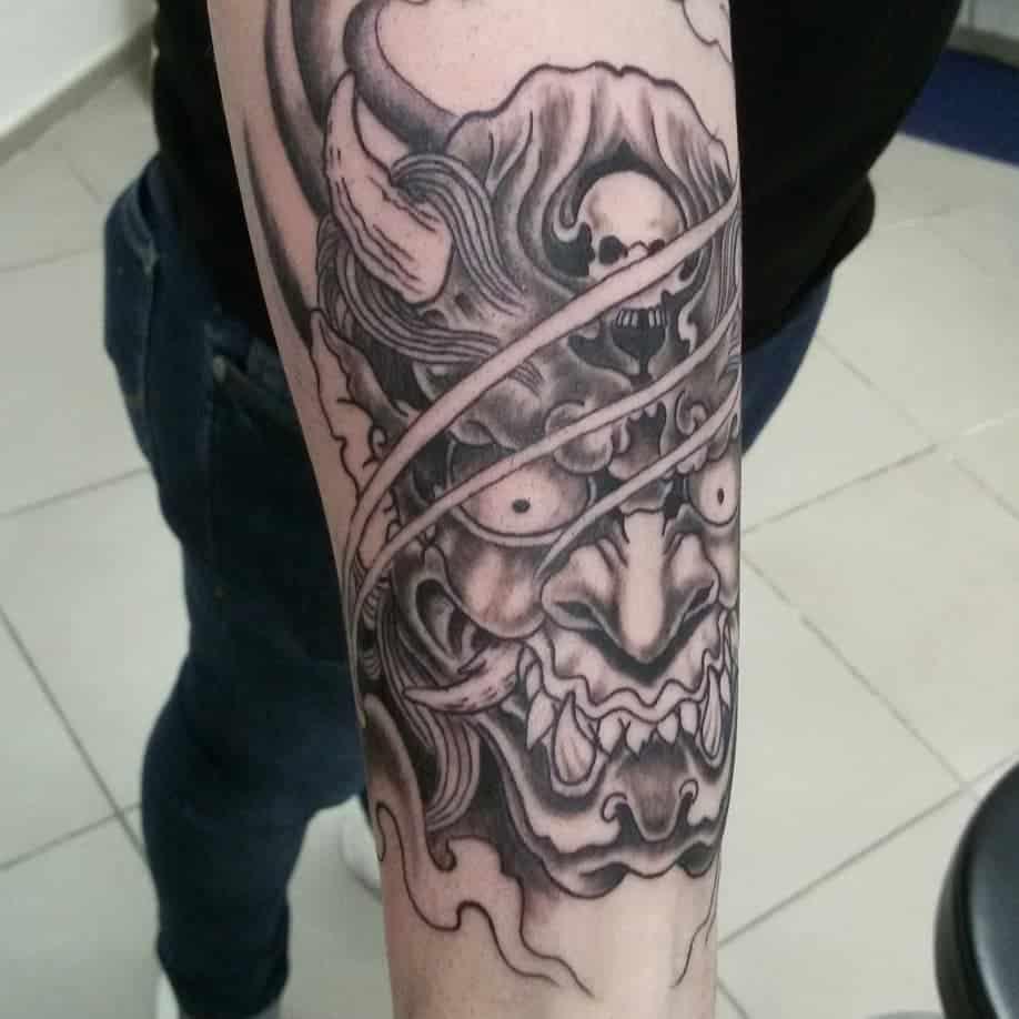 Tatuajes-de-demonios-Corrientes-u-opciones-de-tatuajes-masculinos