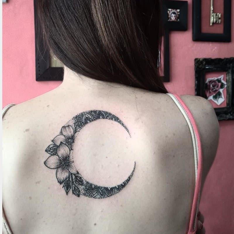 Tatuajes-de-lunas-Las-mejores-imágenes-y-fotos-de-los-tatuajes-de-lunas-de-moda