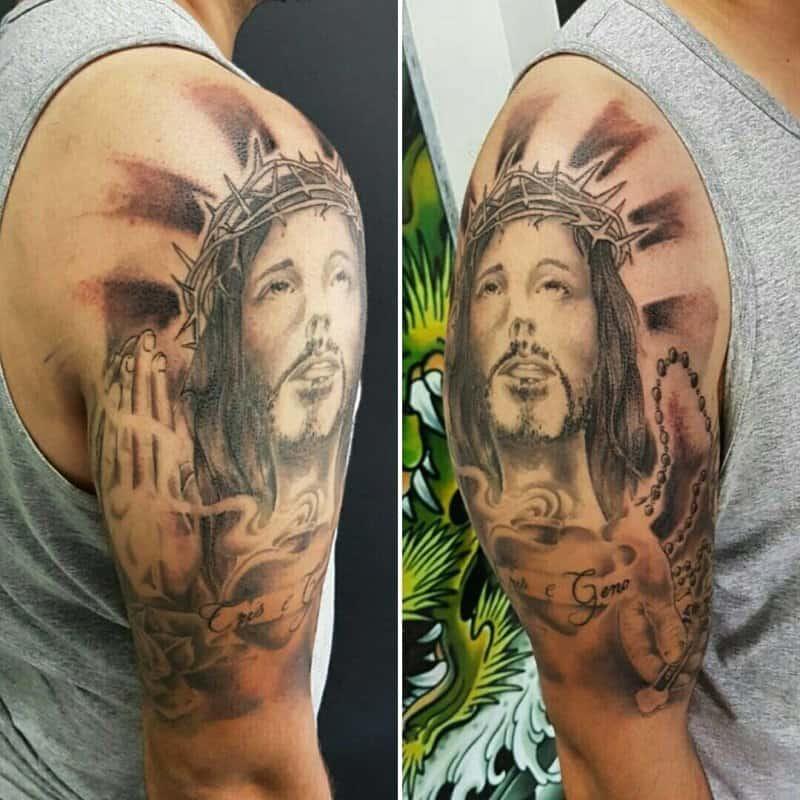 Tatuajes-religiosos-en-forma-de-cruz-para-amantes-del-arte-de-tatuaje