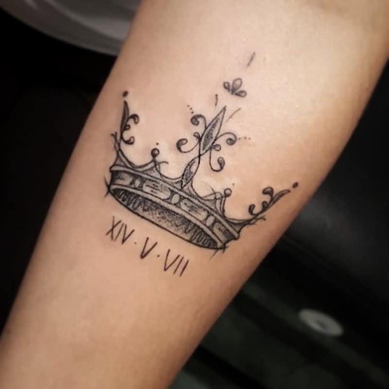 Coronas-tatuajes-populares-Los-corrientes-modernos-para-mujeres-u-hombres