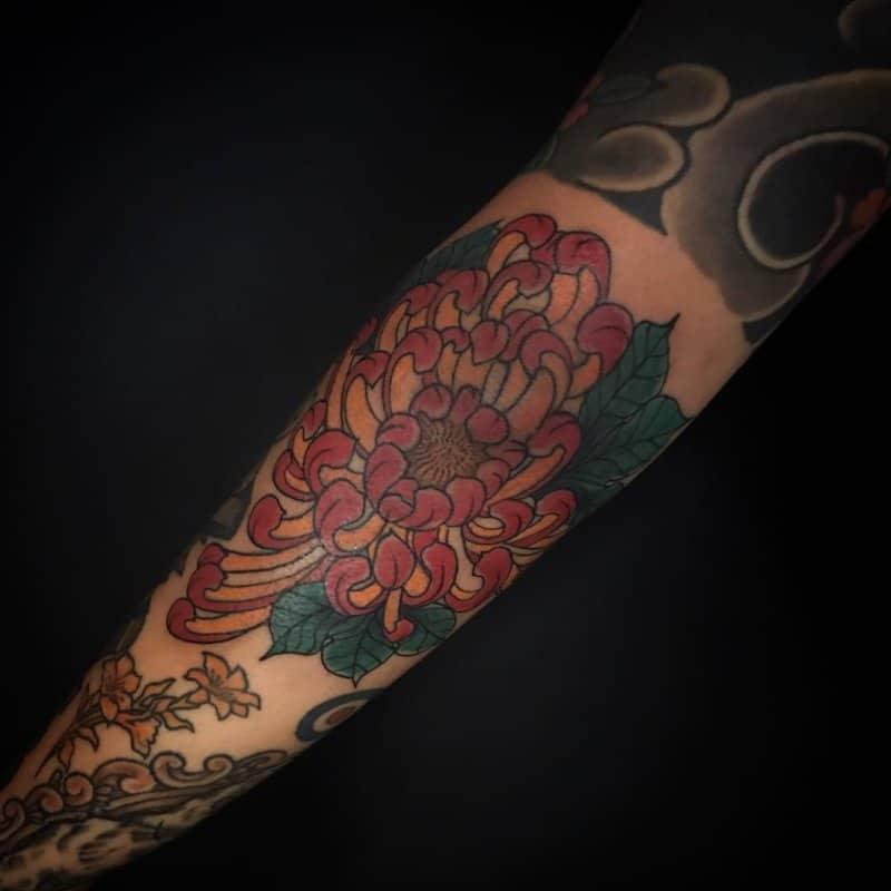 Crisantemo-tatuaje-Tatuajes-únicos-de-la-flor-del-crisantemo-para-todos-interesados