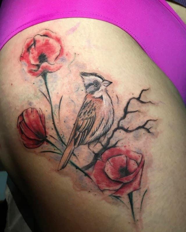 Tatuajes-de-amapolas-Tatuajes-adorables-de-la-flor-de-amapola-para-las-mujeres