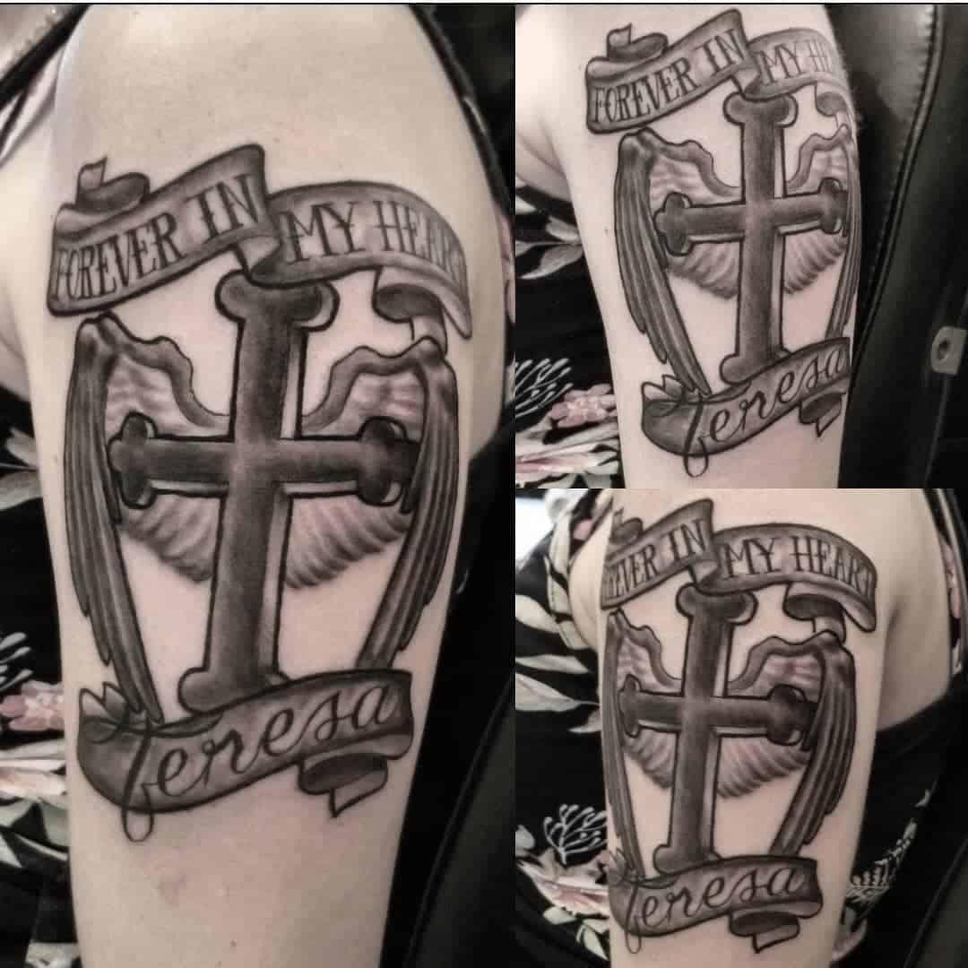 Tatuajes-de-cruzados-Algunas-de-las-principales-tendencias-para-todos-interesados
