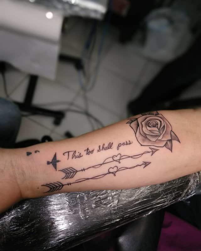 Tatuajes-de-flechas-en-el-brazo-Tendencias-principales-para-amantes-de-tatuajes