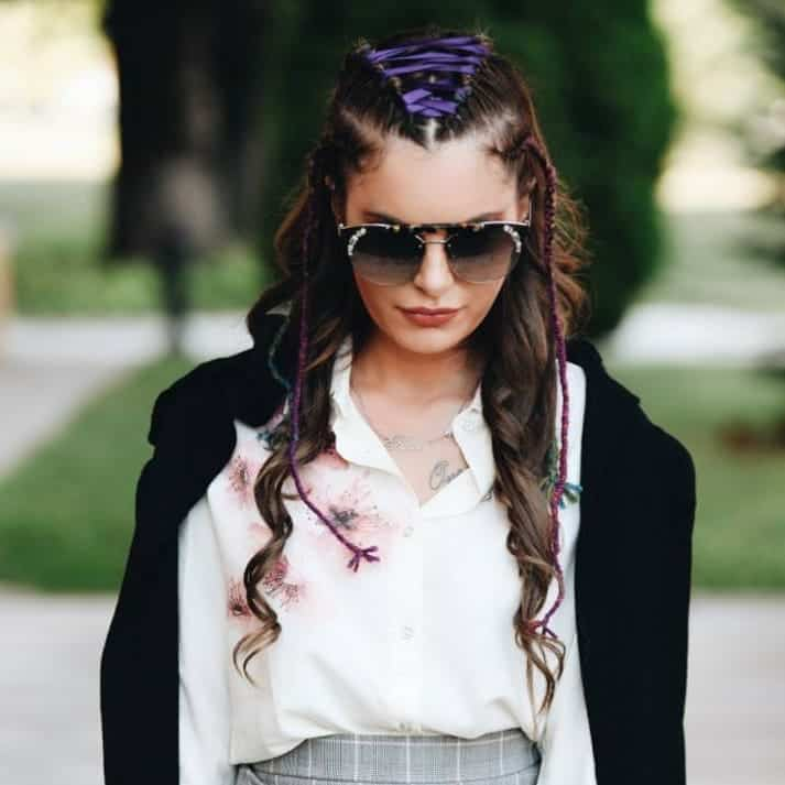 Peinados Juveniles 2021: Ideas De Moda Updo Para Chicas Adolescentes