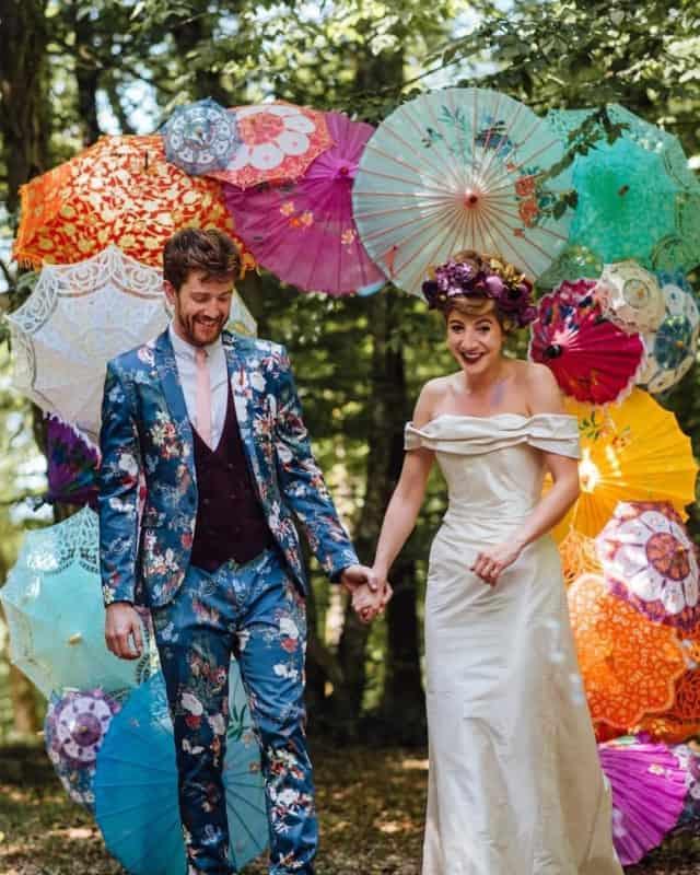 Trajes de novio 2019- colores inusuales para trajes de boda