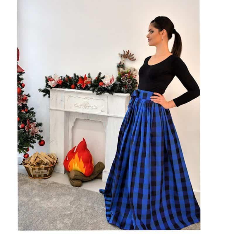 Faldas 2019- color azul en combinacion de negro