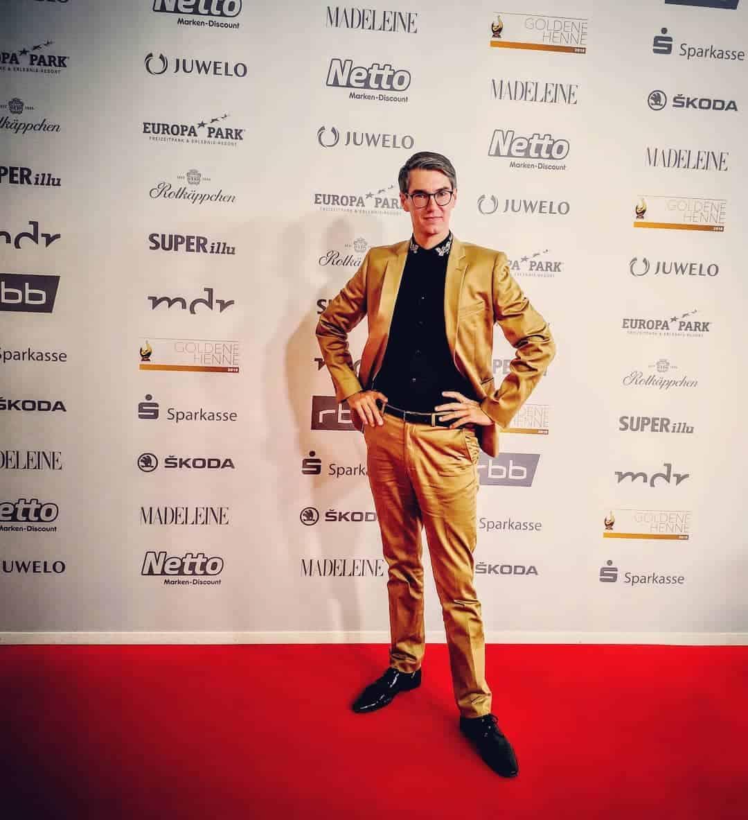 Trajes de hombre 2019- estilo no formas pero muy de moda