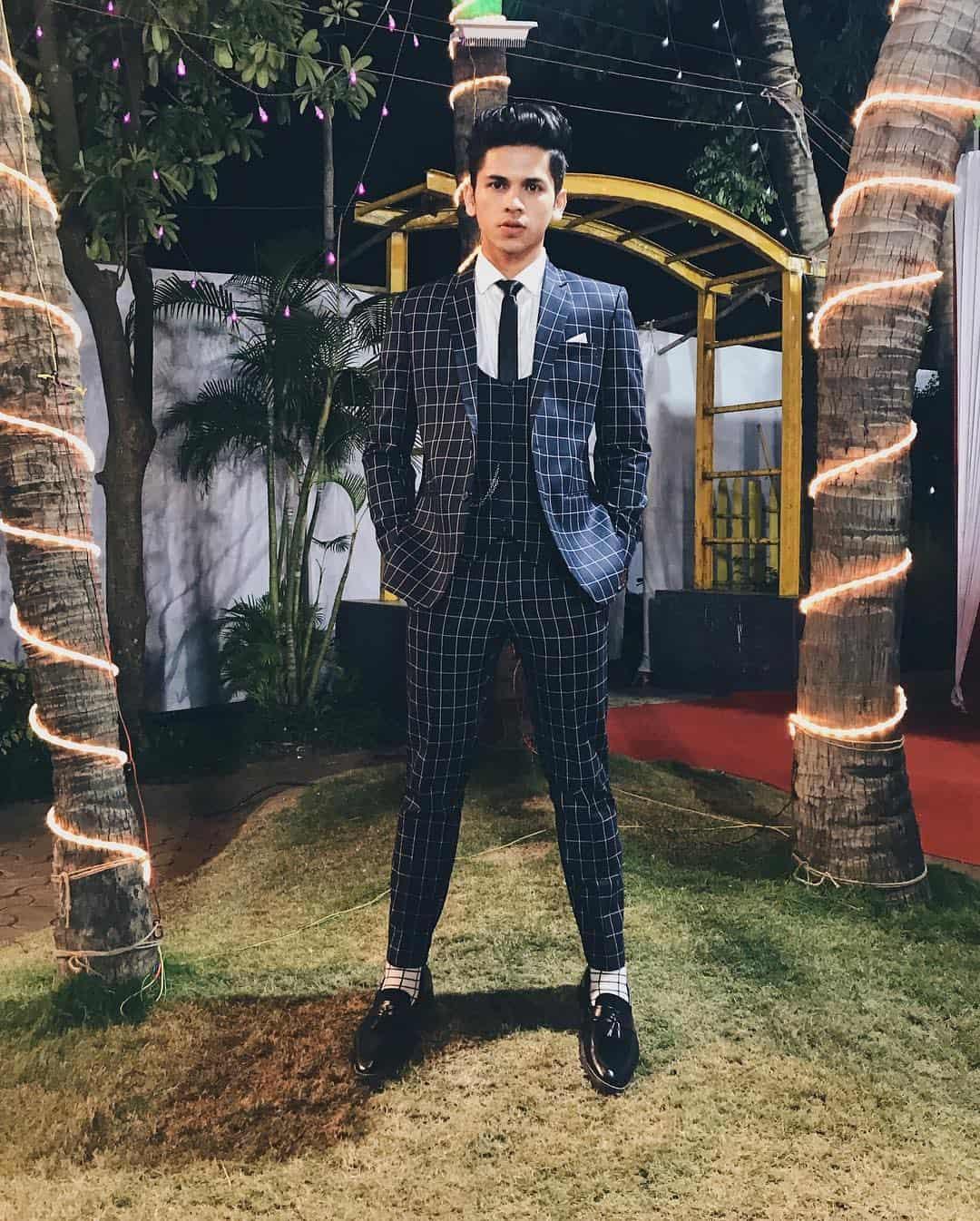 Trajes de hombre 2019- trajes a cuadros muy de moda