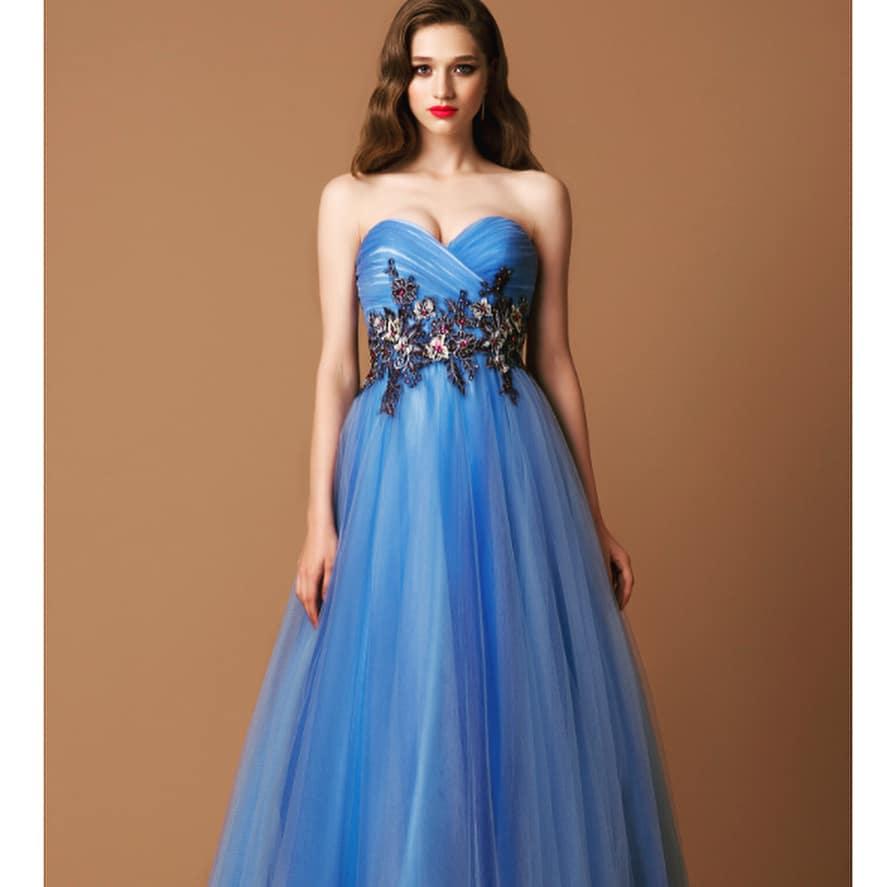Vestidos de fiesta 2019- color azul muy bonito de moda