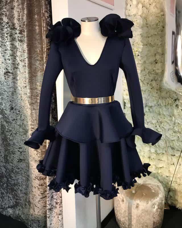 Vestidos de noche 2019- color negro en estilo clasico