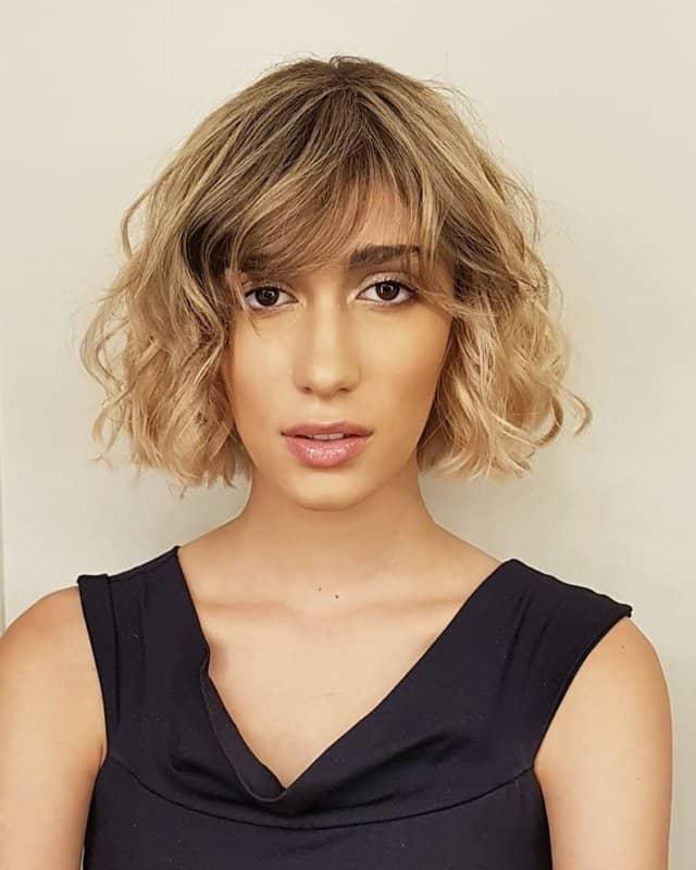 Peinados-para-cara-ovalada-Peinados-modernos-para-mujeres-de-moda