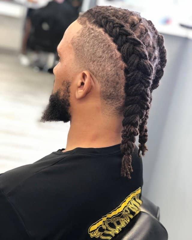 Trenzas-para-hombres-Peinados-guay-para-los-hombres-de-cabello-largo