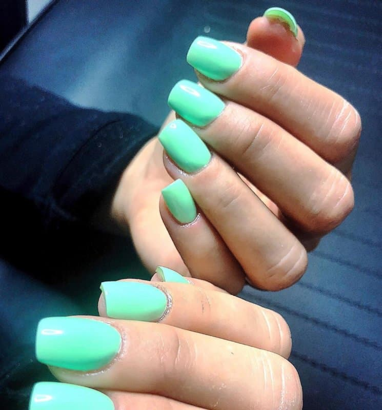 Tendencias-de-colores-de-uñas-2020-tonos-de-moda-para-el-arte-del-clavo