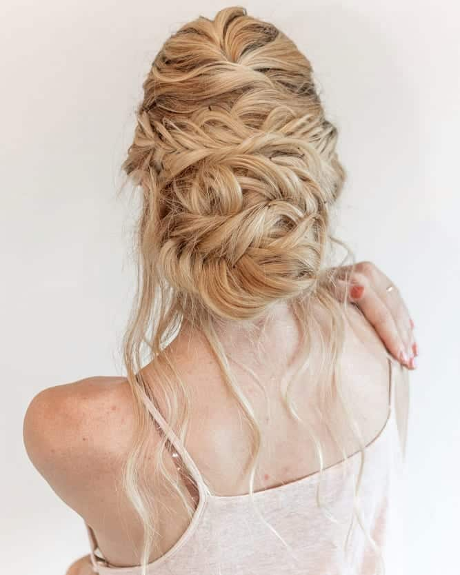 Peinados-para-novia-2020-Peinados-steampunk-de-boda-contemporánea: